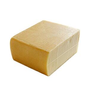 本場スイス産ラクレット 約1.25kg 【4,200円税別/kg単価再計算】【※現在は丸型から切り出した形となっております】