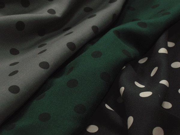 日本製 ポリエステル プレミオローン ドットプリント (グレー、グリーン、ブラック) M[オーダーカット生地 10cm単位]【あす楽対応】【HLS_DU】【RCP】