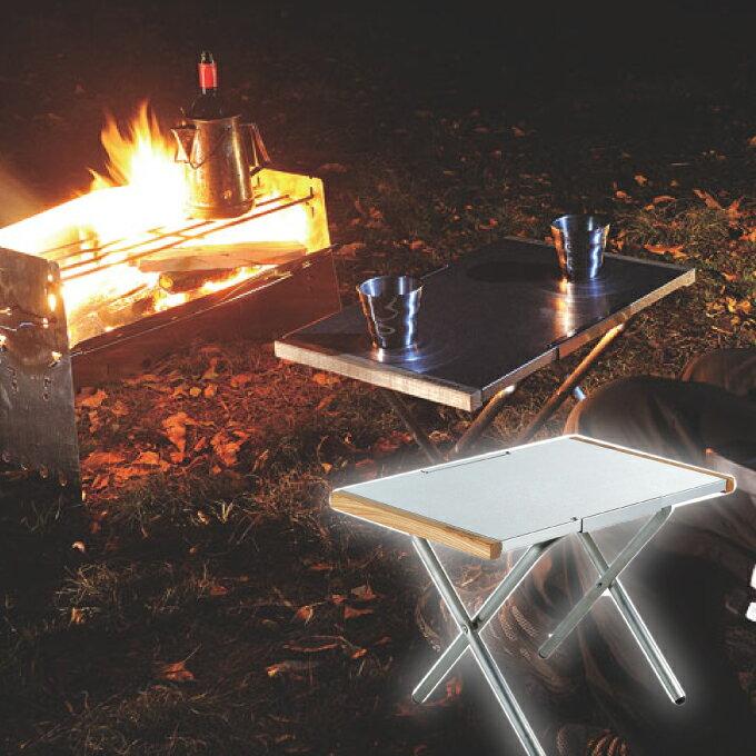 【エントリーでP14倍 4/22 20:00〜23:59】 ユニフレーム UNIFLAME アウトドアテーブル 小型テーブル 焚き火テーブル 682104