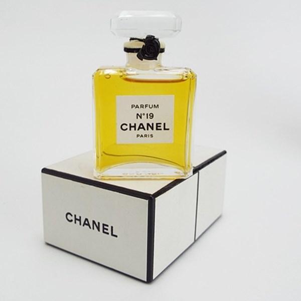 シャネル 香水 NO.19 パルファム ボトルタイプ 7ml フレグランス 中古 CHANEL ナンバー19 P BT
