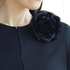 シルクサテン シルク100% コサージュ ローズ 入学式 卒業式 濃紺 日本製 セレモニー  職人手作り