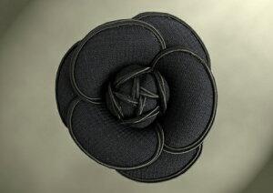 ウール100% ブラックフォーマル 入学式 卒業式 新ダブルウール カメリア 黒  トリム同色 結婚式 セレモニー 強撚 二重織 共布コサージュ 日本製 職人手作り