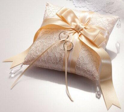 ドラマティックリングピローシルキーリボン(シャンパンゴールド)完成品【結婚式 人前式 チャペル式 結婚祝い】