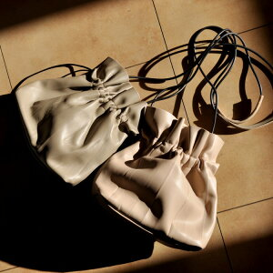 巾着バッグ 巾着 ショルダーバッグ 肩掛け バッグ 鞄 かばん カバン 雑貨 レディース 女性 トレンド ギフト プレゼント おしゃれ 誕生日 お祝い ベージュ グリーン カーキ ピスタチオ ブラッ