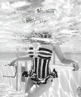 【送料無料】 GIRLS' GENERATION In Las Vegas (フォトブック+DVD) / 少女時代 ショウジョジダイ 【本】