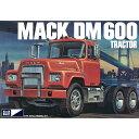 MPC 1/25 マック DM 600 トラック
