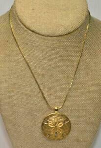 【送料無料】ジュエリー・アクセサリー ヴィンテージサインモネゴールデンフィニッシュマットラウンドペンダントオンチェーンvintage signe monet dore finition mat pendentif rond sur 29 chaine