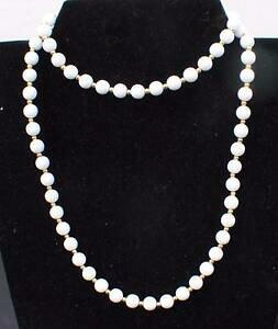 【送料無料】ジュエリー・アクセサリー ヴィンテージサインモネホワイトパールゴールデンスペーサーロングコリアーvintage signe monet blanc perles avec dore espaceurs 30 long collier