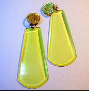 【送料無料】ジュエリー・アクセサリー イヤリングイエロープラスチッククリップ2573 boucles doreilles clips plastique jaune