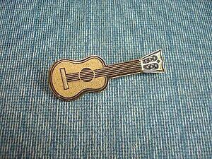 【送料無料】ジュエリー・アクセサリー オールドブローチギターゴールドトーデヴィンテージギターブローチbroche ancienne guitare ors de tolede vintage guitar brooch
