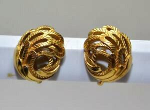 【送料無料】ジュエリー・アクセサリー トライファリクラウンカラーゴールドテクスチャリングクリップオンイヤリング60s firmato trifari crown color oro testurizzati clipon orecchini