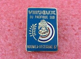 【送料無料】ジュエリー・アクセサリー ブロッシュデュパシフィクスッドヌーメアデセンブルバッジラペルピンb01 broche viiie jeux du pacifique sud noumea decembre 87 badge lapel pin