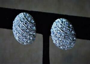 【送料無料】ジュエリー・アクセサリー ヴィンテージシルバートランスペアレントストラスシェードオーバルシェイプクリップオンイヤリングvintage tonalita argento trasparente strass di forma ovale clip