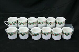 【送料無料】キッチン用品・食器・調理器具・陶器 ターゲットホームのチャームホリーベリーカップのロットTarget Home Xmas Charm Holly Berry Cups Lot of 12