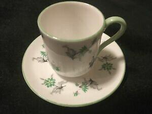 """【送料無料】キッチン用品・食器・調理器具・陶器 シェリーミニチュア「グリーンチャーム」カップとソーサーセットカンタベリー形状ミニShelley Miniature """"Green Charm"""" Cup and Saucer Set (Canterbu"""