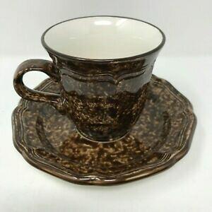 【送料無料】キッチン用品・食器・調理器具・陶器 ミカサカントリーチャームチョコレートマーブルカップソーサーセットブラウンMikasa Country Charm Chocolate Marble Cup  Saucer Set D9801 Brown