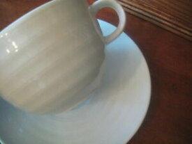 【送料無料】キッチン用品・食器・調理器具・陶器 クレートバレルホワイトルーレットカップソーサーリブリングセットのアベイルズ6 Crate & Barrel White Roulette Cups & Saucers Ribbed Rings (1 of 2 Sets Avai