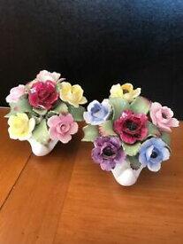 【送料無料】キッチン用品・食器・調理器具・陶器 つのエインズリーシーシェルの花の多くは、非常に古い中国ブーケはチップを持っていますLot Of Two Aynsley Sea Shell Flowers Bone China Bouquet Very Old Does Has Chips