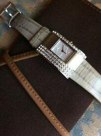 【送料無料】腕時計 ウォッチドーナニューヨークパフェmontre donna karan york quasi neuve, cadeau parfait