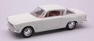 【送料無料】模型車 モデルカー スポーツカースターリンフィアットクーペホワイトモデルjm 2127877 starline str52102 fiat 2300 coupe 1961 white 143 model