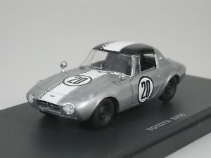 【送料無料】模型車 モデルカー スポーツカートヨタスポーツ#toyota sports 800 s800 tmsc 1965 20 silver white 143 kyosho 03092a