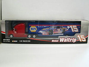 【送料無料】模型車 モデルカー スポーツカーレースマイケルアクションkenworth racing transporter nascar michael waltrip 15, ovp, action, 164