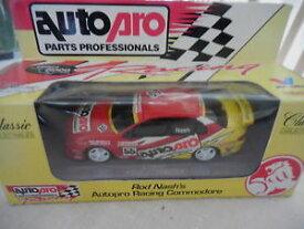 【送料無料】模型車 モデルカー スポーツカークラシックグッズロッドナッシュプロレーシングコモドールclassic collectables 143 rod nash039;s auto pro racing commodore 1055