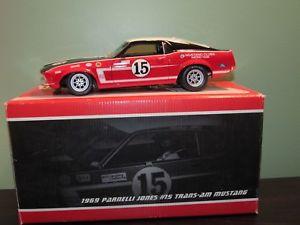 【送料無料】模型車 モデルカー スポーツカートランスレースカーフォードマスタングボスジョーンズ#118 welly 1969 trans am race car ford mustang boss 302 v8 parnelli jones 15