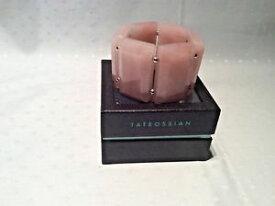【送料無料】ブレスレット アクセサリ— ローズクォーツブレスレットボックスstunning rose quartz huge statement bracelet by tateossian boxed