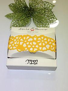【送料無料】ブレスレット カフミニゴムbracciale mini tatu niente paura gomma ricamo effetto tatu giallo ocra
