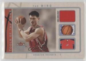 【送料無料】スポーツ メモリアル カード 200304 ゲームジャージーtgymカードインサイダーツール200304 fleer genuine insider tools of the game jerseys tgym yao ming card