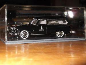 【送料無料】模型車 モデルカー スポーツカー ハンザネオ143 borgward hansa 2400 leichenwagen hearse corbillard carro funebre neo ovp