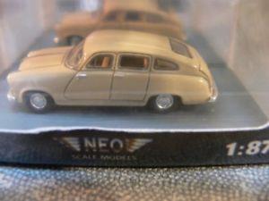 【送料無料】模型車 モデルカー スポーツカー ネオハンザベージュ187 neo borgward hansa 2400 beige