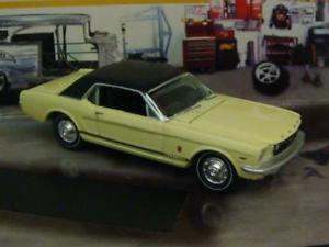 【送料無料】模型車 モデルカー スポーツカー ビンテージポニーカーフォードムスタングクーペスケールvintage pony car 1966 66 ford mustang gt v8 coupe 164 scale limited edition f