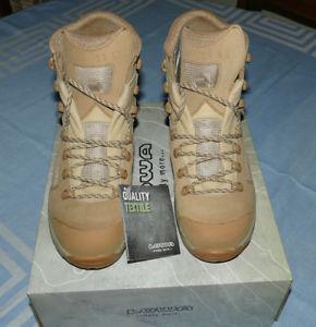【送料無料】キャンプ用品 ロワデザートブーツブーツsz 55 vibramスエードlowa womens desert boots buff suede walking boots sz 55 vibram sole