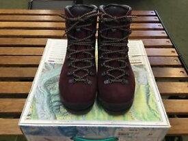 【送料無料】キャンプ用品 マンタレディースブートサイズ listingscarpa manta ladies boot size 37