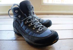 【送料無料】キャンプ用品 アーゾロウォーキングボックスブーツasolo womens mesita gv ml goretex vibram walking boots uk55 eu385 used in box