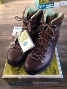 【送料無料】キャンプ用品 レックブーツサイズscarpa trek gtx womans boots size 8