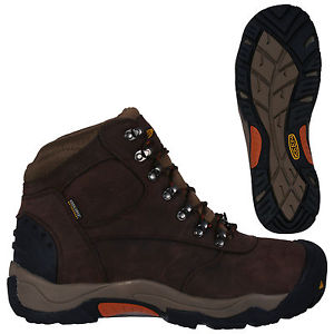 【送料無料】キャンプ用品 ハイキングブーツブラウンkeen mens hiking boots revel ii brown