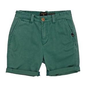 【送料無料】キャンプ用品 ショートウォークグリーンサイズquiksilver krandy shorts walk mallard green all sizes