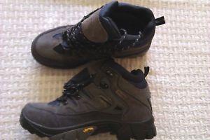 【送料無料】キャンプ用品 メンズウォーキングブーツサイズmens joluvi walking boots size 8 42 bnwob vibram waterproof high quality