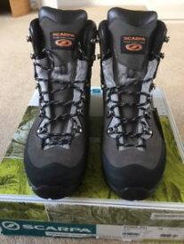 【送料無料】キャンプ用品 キネシスハイテクゴアテックスブーツサイズeumens scarpa kinesis tech goretex boots, size 95 uk 44 eu