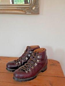 【送料無料】キャンプ用品 ヴィンテージブラウンレザーウォーキングハイキングブーツソールズvintage brown leather walking hiking boots vibram soles uk 8 eu 41