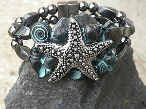 【送料無料】ブレスレット アクセサリ? ブレスレットヒトデシーシェルmens womens magnetic bracelet 2 row w silvertone starfish w patina sea shells