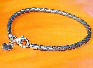 【送料無料】イタリアン ブレスレット レディースシルバーアンプスターリングシルバーハートチャームブレスレットライムベイladies 3mm silver leather amp; sterling silver heart charm bracelet lyme bay ar