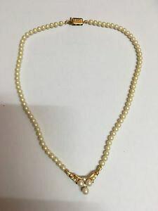 【送料無料】アクセサリー ネックレス ビンテージモネエvintage collier sign monet perle et brillants bijoux couture 50s 60s