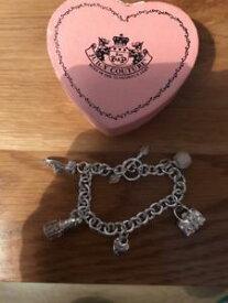 【送料無料】アクセサリー ネックレス ジューシークチュールブレスレットautentico juicy couture bracciale con charm