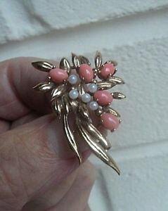 【送料無料】ネックレス ビンテージゴールドコーラルパールブローチロンドンvintage attractive 9ct gold coral amp; pearl floral brooch hm 1985 london