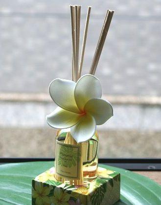 ハワイアン マウナロア プルメリア アロマディフューザー おしゃれな芳香剤 ハワイ お土産 アロマ インテリア雑貨 ハワイアン雑貨