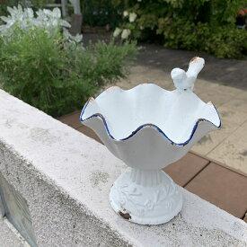 【バードフィーダー】クラシカルなデザインが魅力の白銅色のバードフィーダー★【86685】【アイアン バードフィーダー ガーデンオーナメント オブジェ 小鳥 野鳥】【東洋石創】